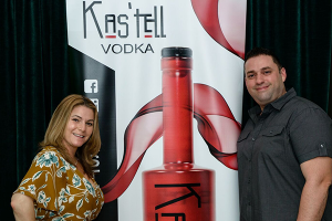Couple-Sign-Kastell-Vodka